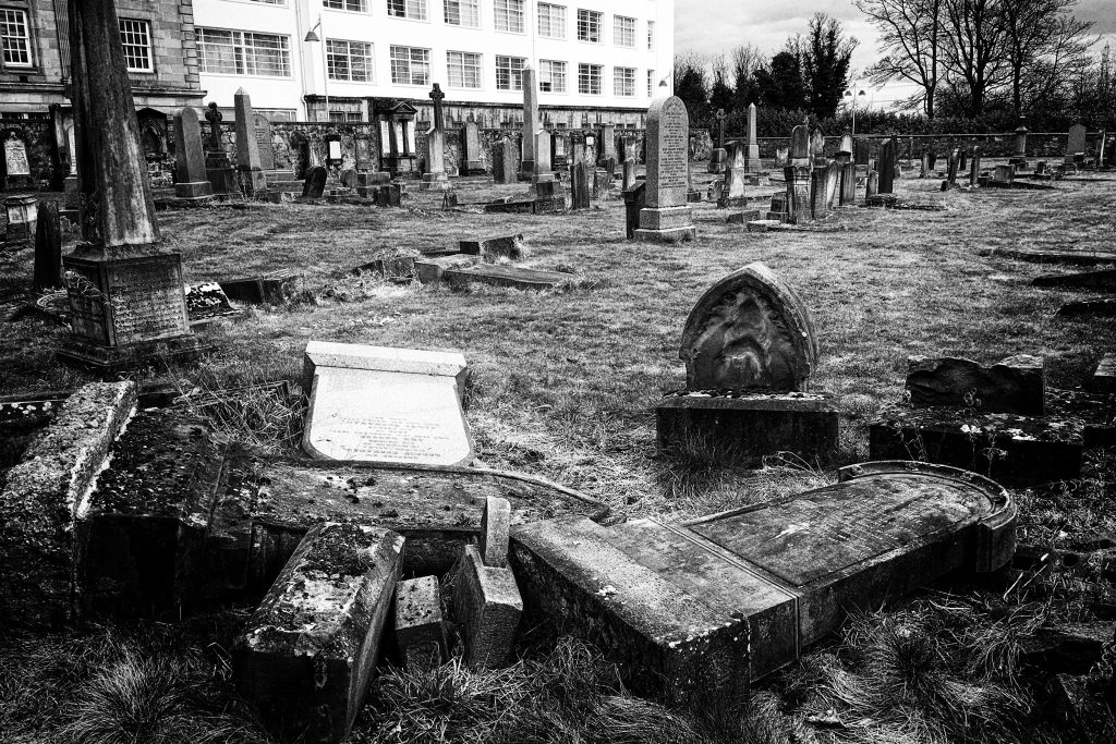 Greenside Graveyard, Alloa - photo by Jimmy Peggie
