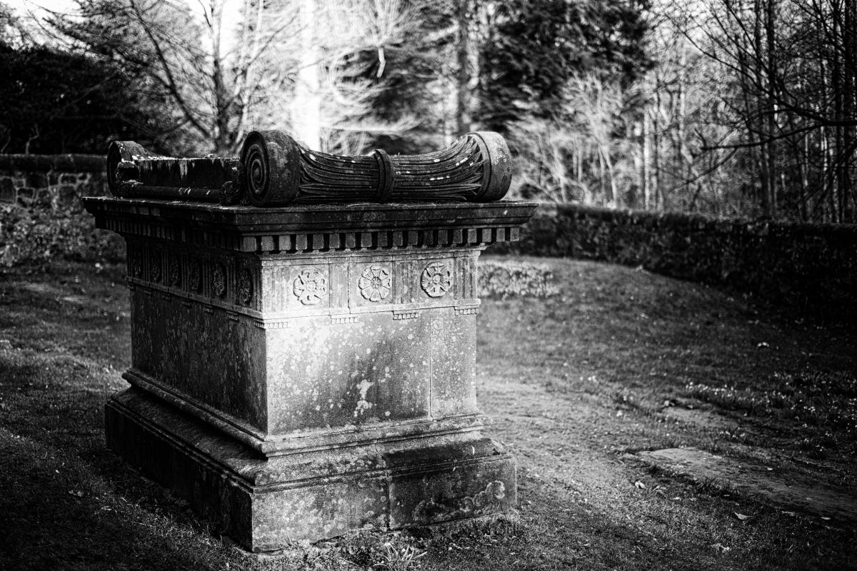 Houston & Killellan Kirk Graveyard, Scotland.  Photo by Jimmy Peggie